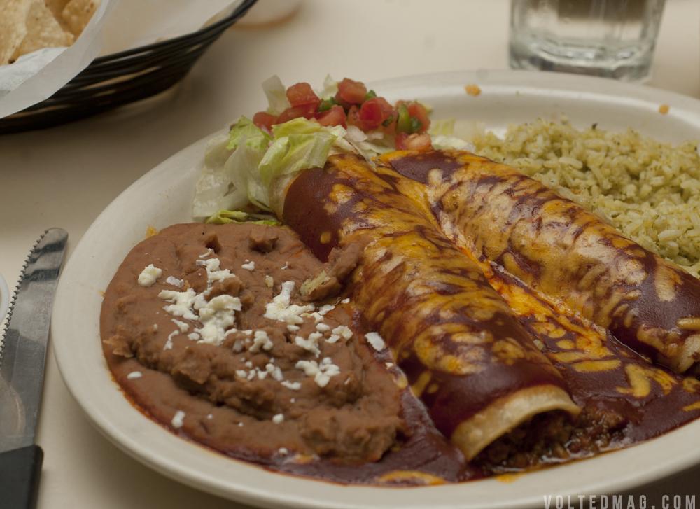 Enchilada Round Table at Pelóns Austin   Volted magazine