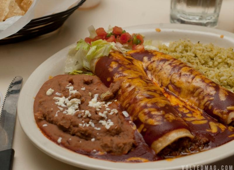Pelon's - Chile con Carne Enchiladas